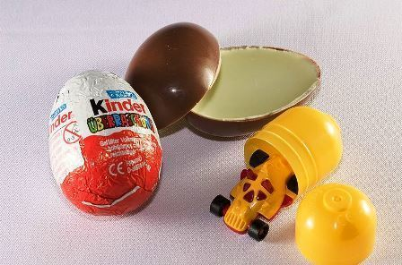Kinder_Surprise_Egg.jpg