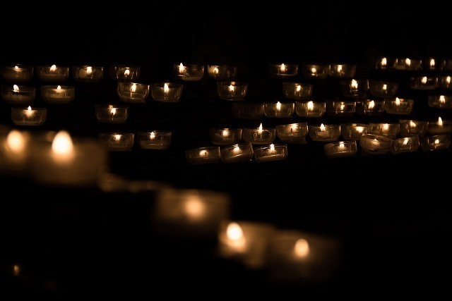 candle-1068946_1280.jpg