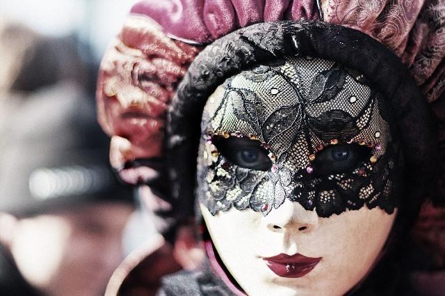 carnival-411494_1280.jpg