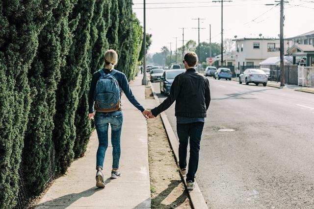 couple-1210023_1280.jpg