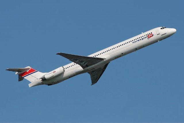 1024px-Norwegian_MD-83_SE-RDV.jpg